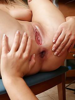 Lesbian Spread Pussy Pics